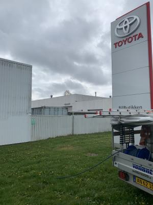facaderens-Toyota-5